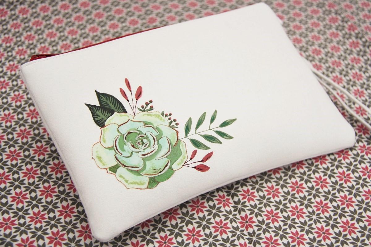 pochette personnalisée peint main suédine blanche succulente 1 la kitsch lorraine