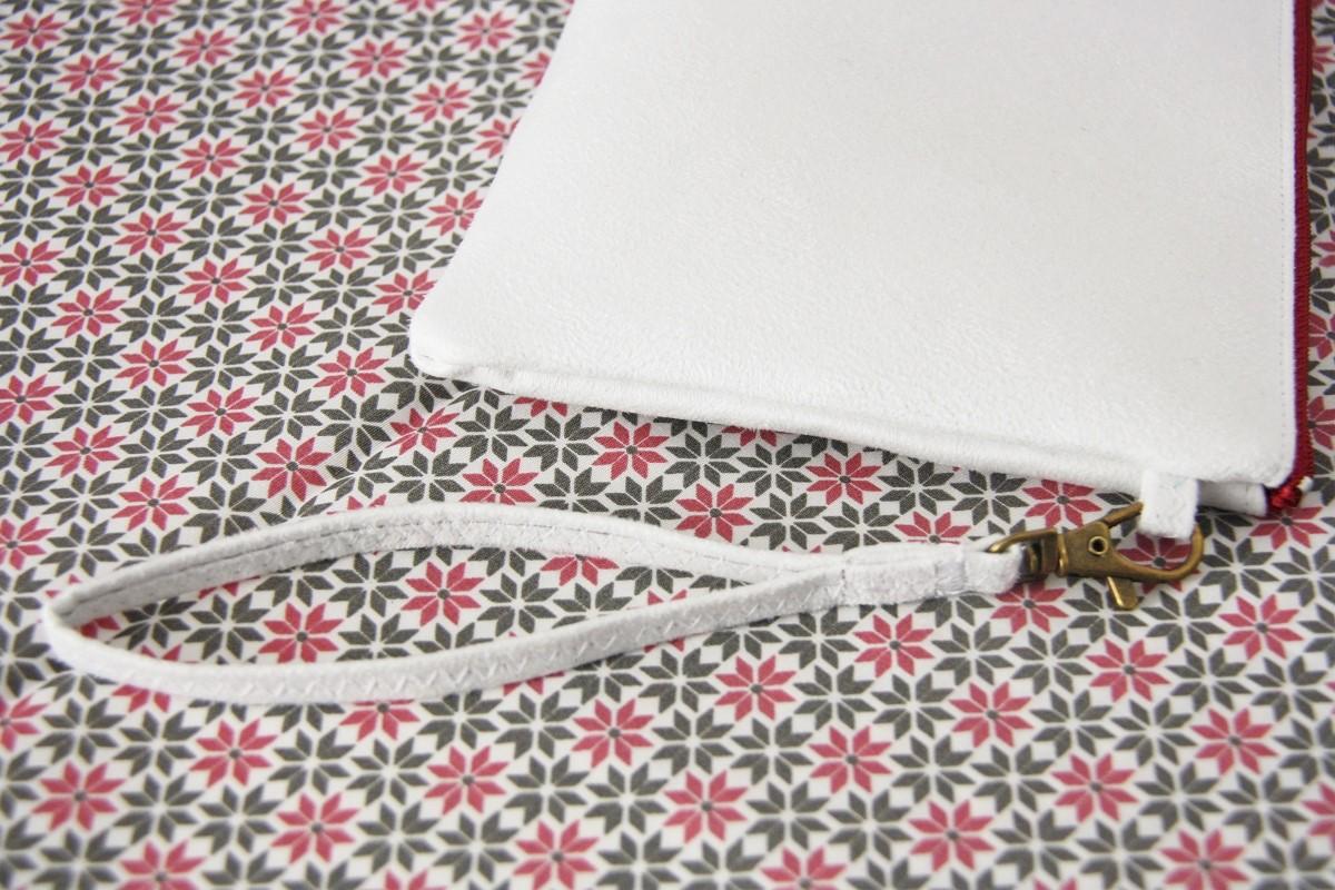 pochette personnalisée peint main suédine blanche succulente 2