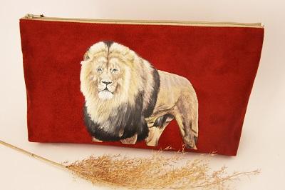 trousse de toilette peint main lion la kitsch lorraine