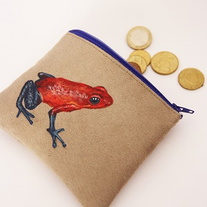 Porte monnaie peint main suédine taupe Charlotte la grenouille2