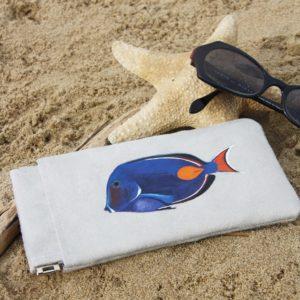 Etui-lunettes-peint-main-suédine-grise-Léon-poisson-kitsch-lorraine-3