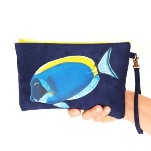 Pochette peint main suédine marine Benton le poisson chirurgien kitsch lorraine 8