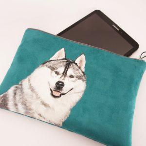 Etui tablette personnalisé peint main suédine bleu husky kitsch lorraine 3